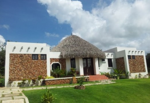 Lindas casas en villa rosario con una excelente ubicaci n for Casa de campo arquitectura